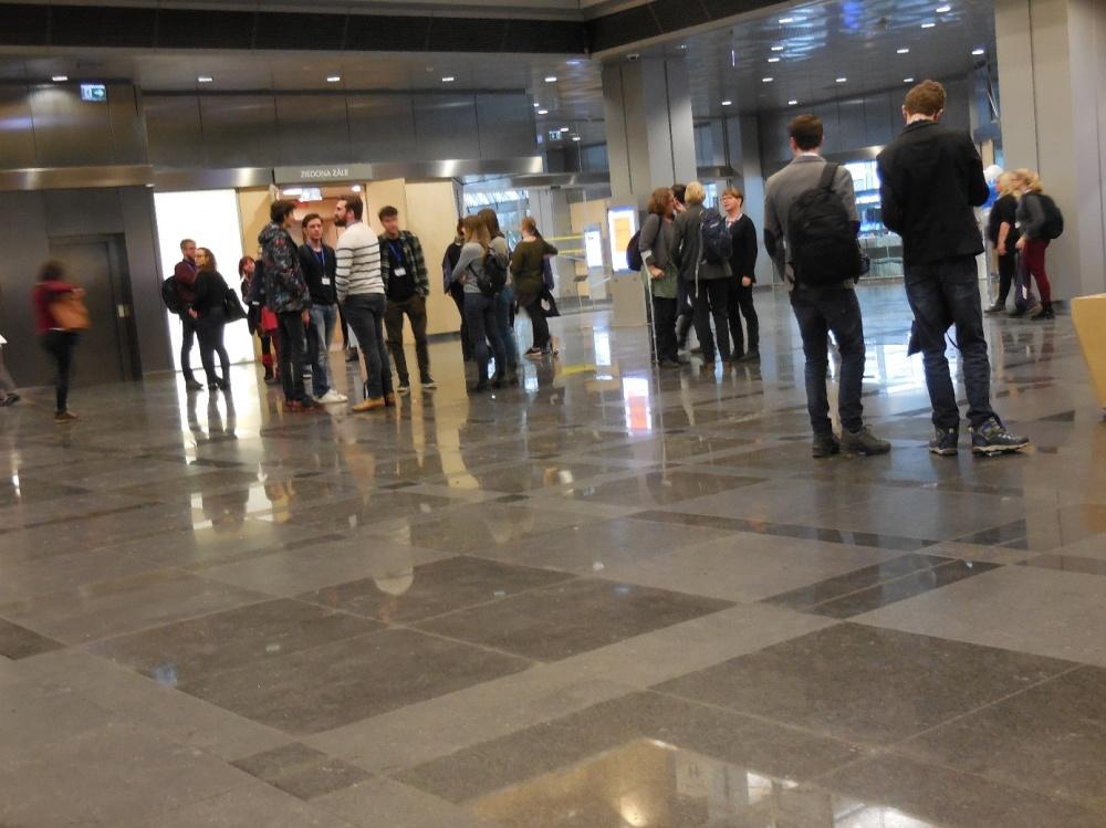 BOBCATSSS Teilnehmer im Atrium